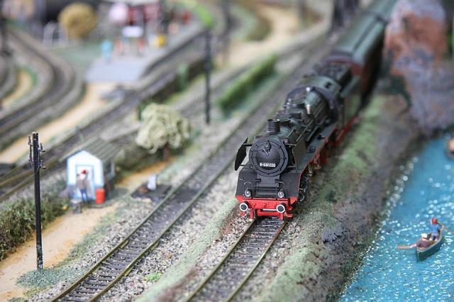 train-miniature