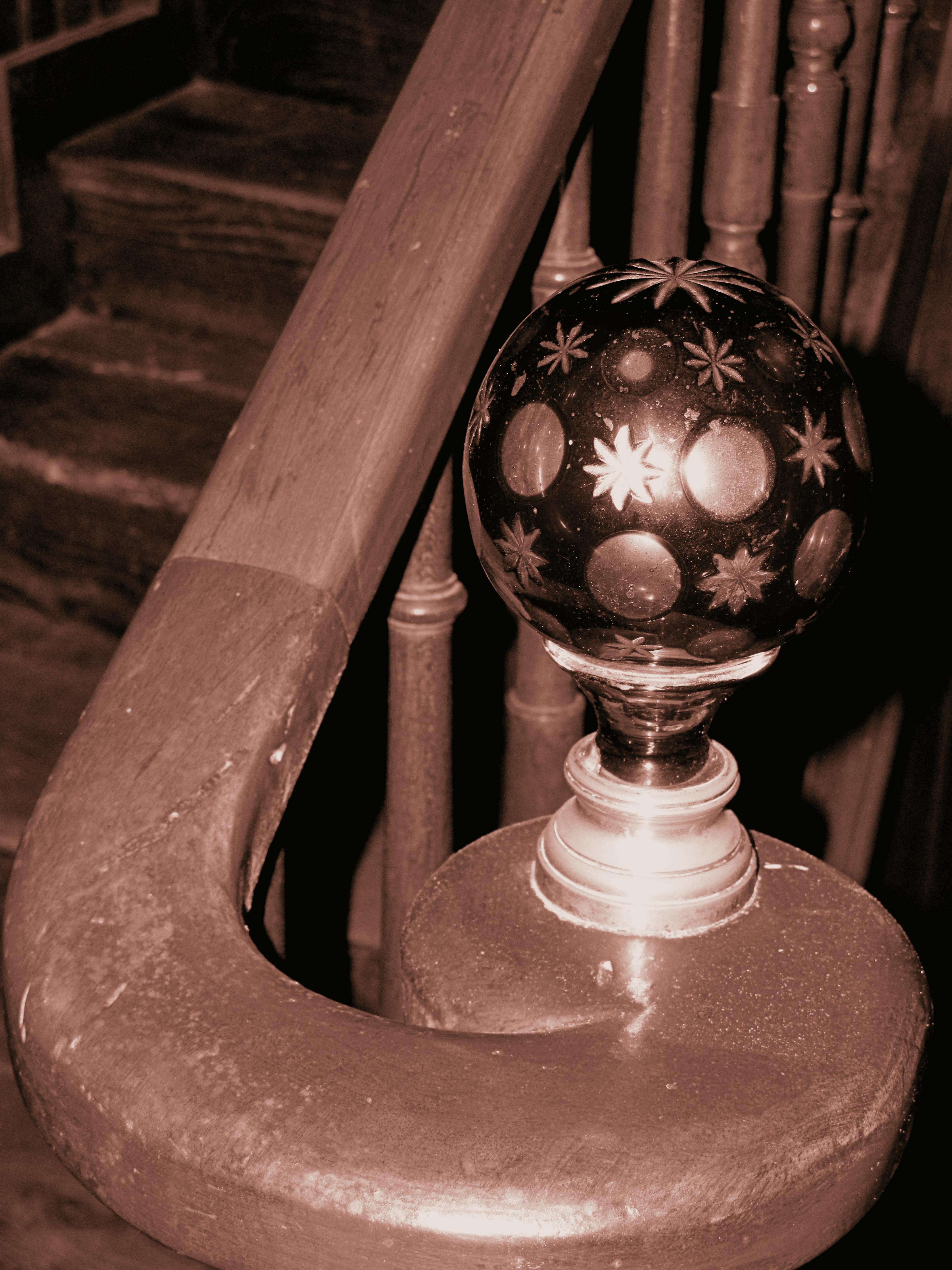 Objet déco : la boule d\'escalier habille vos rampes